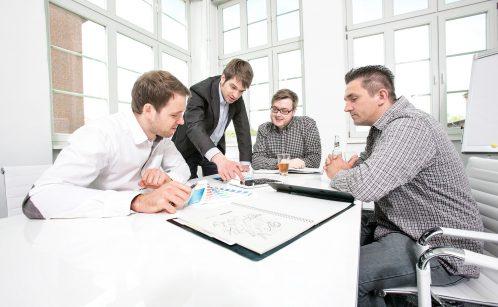 Briefing im Konferenzraum
